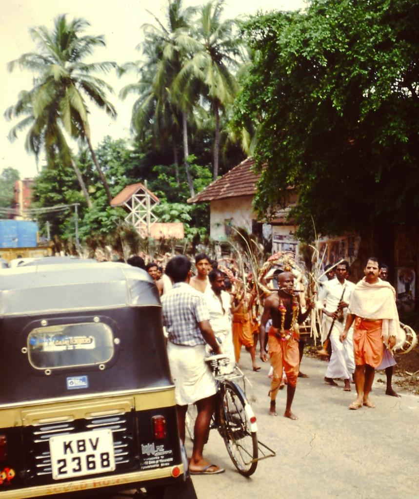 Religion oder was man dafür hält, hat in Indien immer Vorfahrt.
